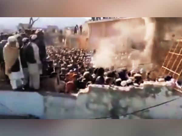 पाकिस्तानमा हिन्दु आस्थामाथि बर्बर आक्रमण, मुसलमानहरुले हिन्दु सन्तको समाधीस्थल पनि छोडेनन्, ध्वस्तै पारे!