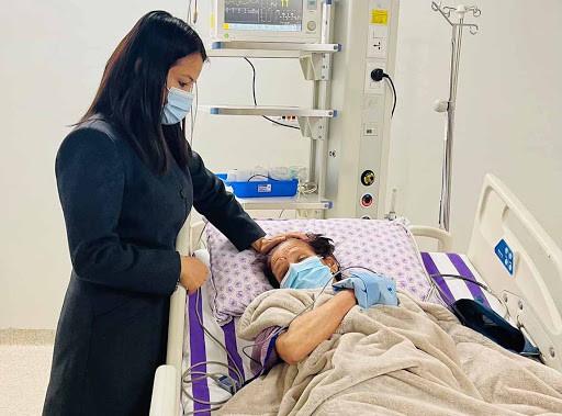 प्रचण्ड पत्नी सितालाई उपचारका लागि दिल्ली लैजाने तयारी