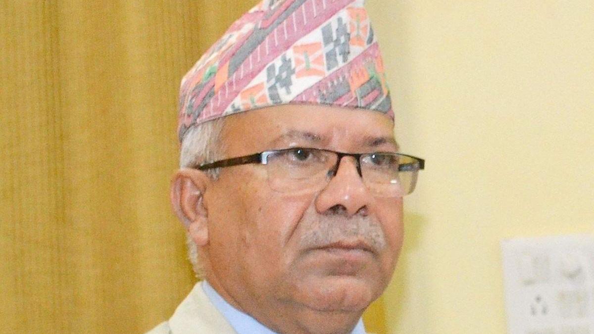 सामूहिक राजीनामा गर्न लागेको माधव नेपाल समूहमा विद्रोह, यी सांसदले नदिने भए राजीनामा