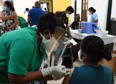 श्रीलंकामा चिनियाँ खोप रोकेर भारतमा उत्पादित खोप लगाउने