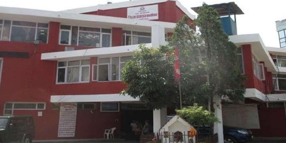 काठमाडौंका अस्पताललाई सीडीओको चेतावनी, अक्सिजन छैन त्रसित नपार