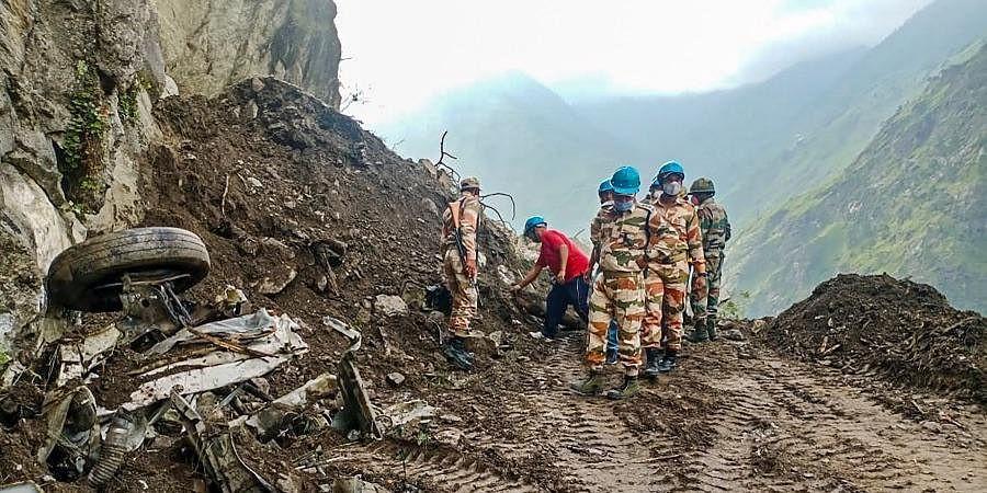 भारत पहिरो अपडेट : १० जनाको मृत्यु, ६० जना पुरिएको आशङ्का