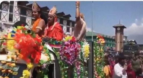 काश्मिरमा पहिलोपटक हिन्दु-मुस्लिमले मनाए श्रीकृष्ण जन्माटमी, आतंकवादको गढमा देखियो उच्च भाइचारा