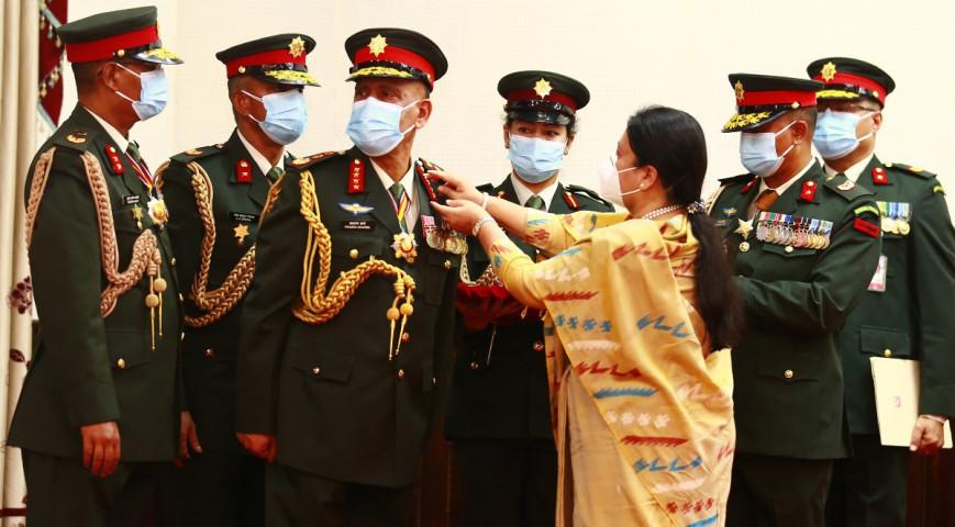 नवनियुक्त प्रधानसेनापति बालुवाटारमा, प्रधानमन्त्रीले लिँदै विशेष निर्णय