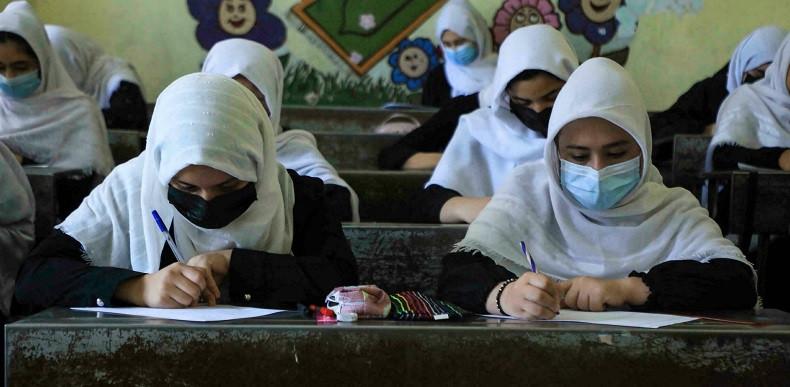 अफगानिस्तानमा तालिबान शासन : अफगान विश्वविद्यालयमा महिलाहरुले अनिवार्य निकाब लगाउनुपर्ने