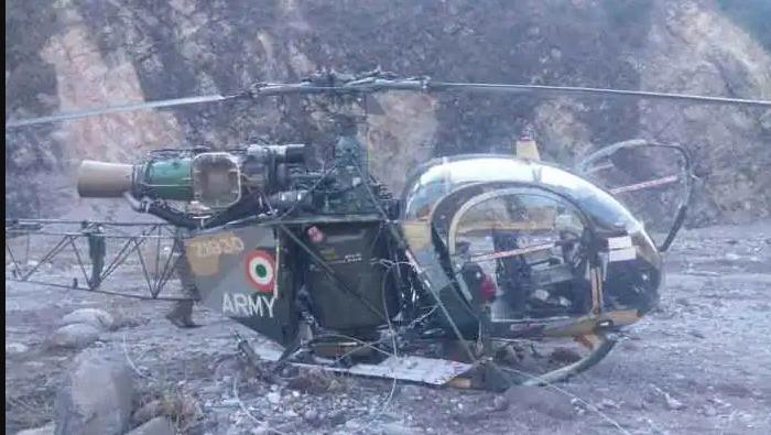 जम्मु–कश्मीरमा सेनाको हेलिकप्टर दुर्घटना दुई पाइलटको मृत्यु