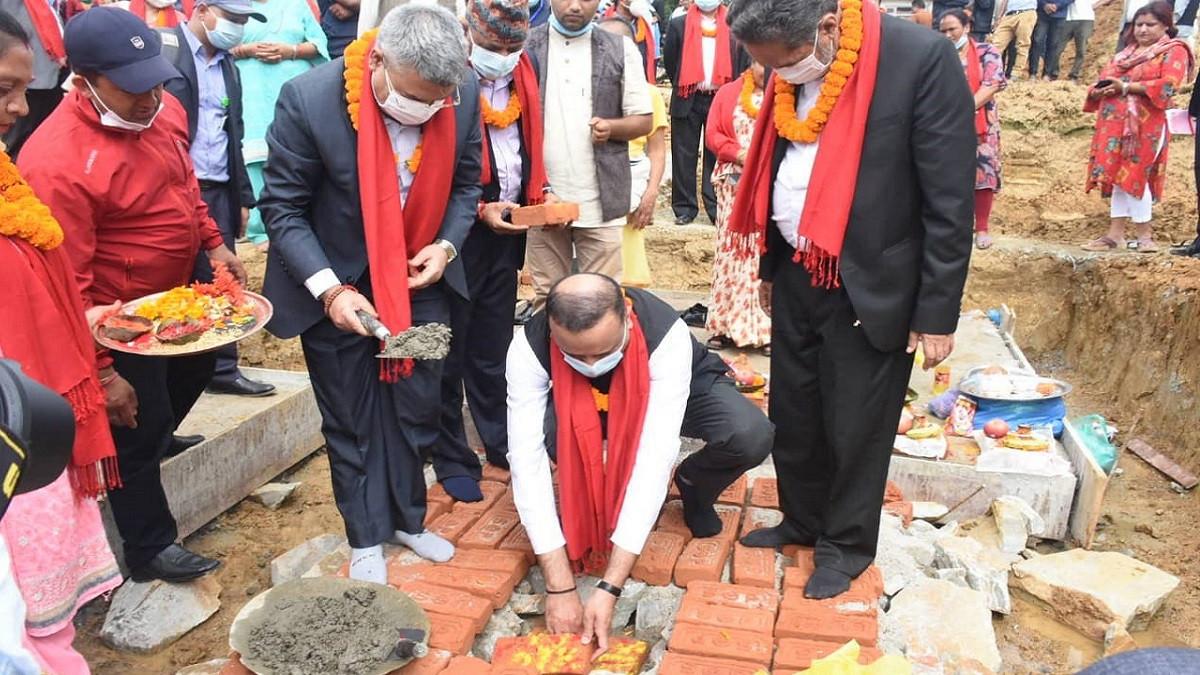 भारत सरकारको सहयोगमा बनेका काभ्रेका ६ विद्यालय भवन एकैसाथ हस्तान्तरण