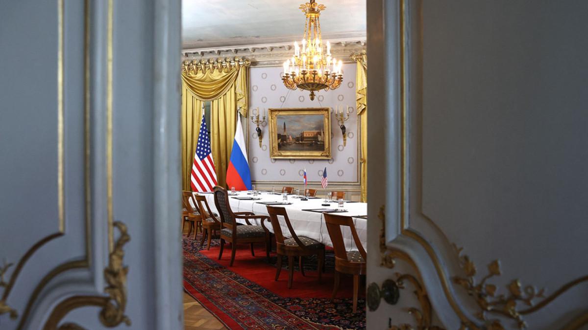 रुसी र अमेरिकी कूटनीतिज्ञ बीच जेनेभामा गोप्य वार्ता